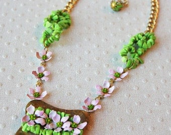 Reclaimed Vintage Necklace Lavender & Apple Green turquoise flower