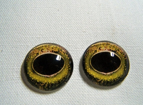 Reptile eyes glass eyes for jewelry or sculpture 20mm cabochons