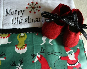 Christmas wool felt baby shoes-red and green- unruly reindeer with santa burp cloth- gift set