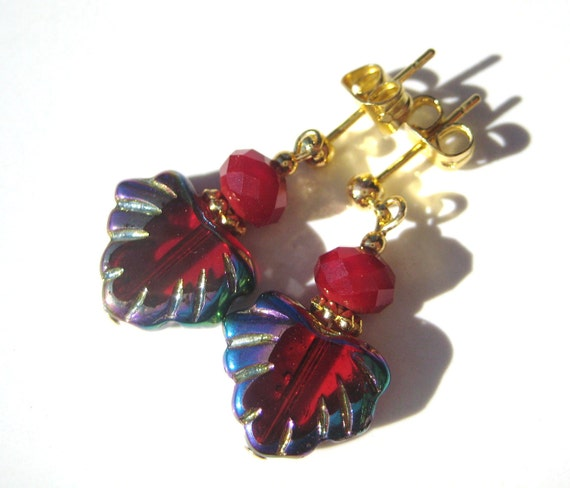 RED AUTUMN LEAVES- Glass Beaded Leaf Earrings with Gold Posts