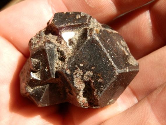 Nice Garnet display crystal cluster. 71 grams.