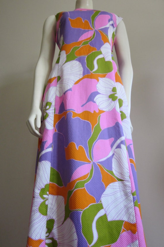 Hawaiian Dress 1960s / Maxi Dress / Polynesian / Floral / Sleeveless / Polynesian Casuals / Aloha / Purple / Pink