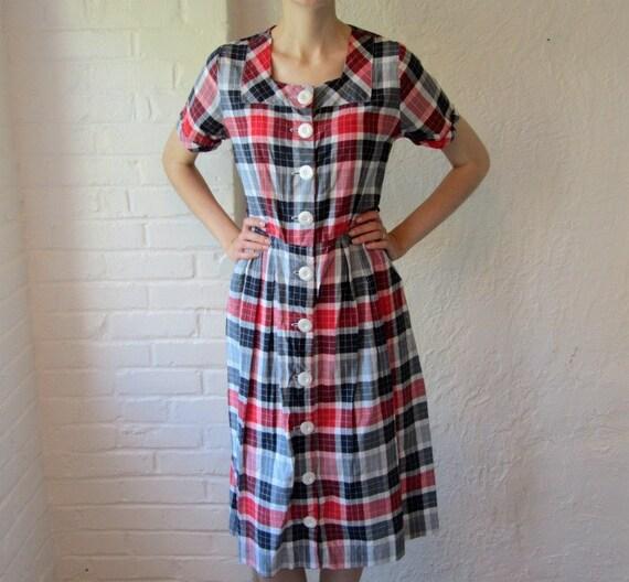 1950s plaid dress . summer picnic dress . 50s day dress