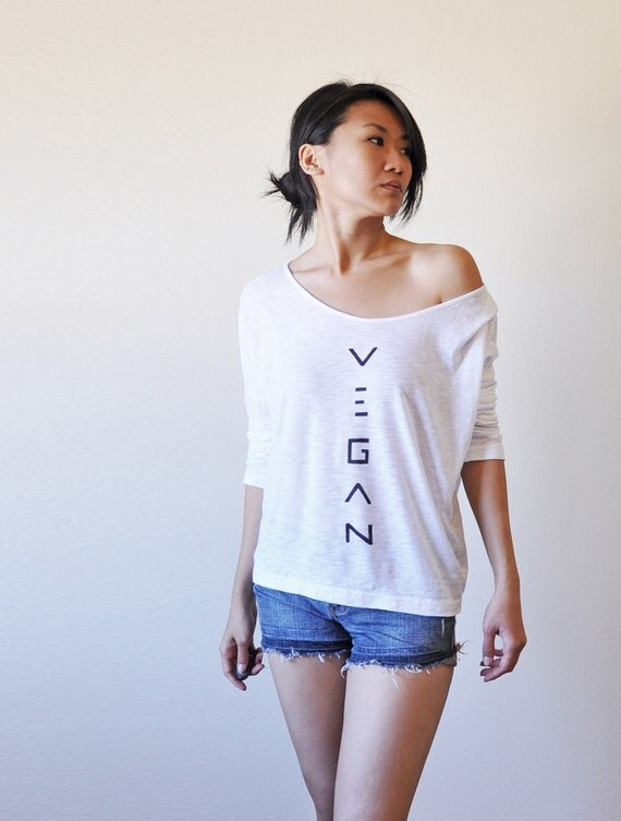 Vegan Clothing: Organic Blend - White Oversize Angie Top (Size L)