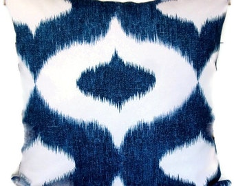 Duralee Decorative Pillow, Accent Pillow, Throw Pillow, Ikat Pattern, Blue and White, 20x20 Pillow Cover, Cushion Cover, 18x18,20x20,22x22