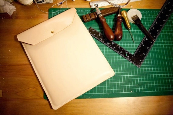 Leather iPad Case / Sleeve - Vegetable Tanned Leather - Free Personalization