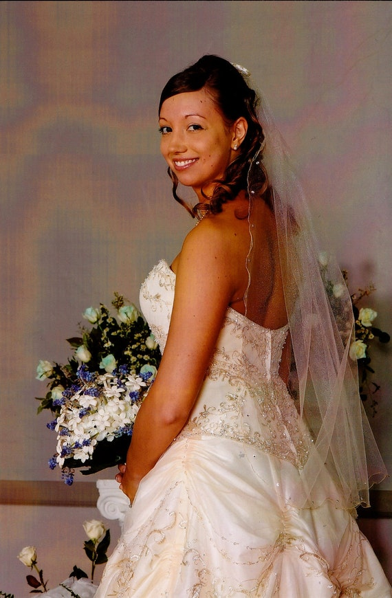Wedding Veil - Swarovski crystals and gold metallic edging, ivory fingertip length - Wedding Dress Acessories- Bridal Veil- The Kristi Veil