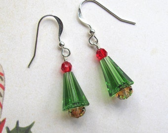 Christmas Tree Earrings , Holiday Earrings, Swarovski Earrings, Christmas Earrings, Tree Earrings, Christmas Jewelry, Green Earrings