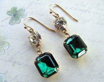Emerald Green Earrings, Vintage Earrings, Rhinestones Earrings, Swarovski Earrings, Green Earrings, Holiday Earrings, St. Patrick Earrings