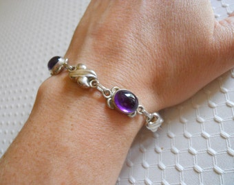Sterling silver handcrafted amethyst cabachon toggle bracelet