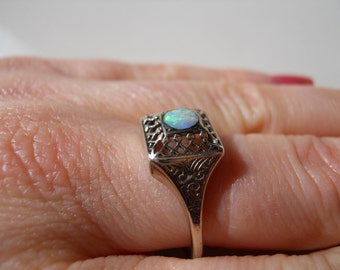 Antique Filigree White Gold Opal Ring  Size 9
