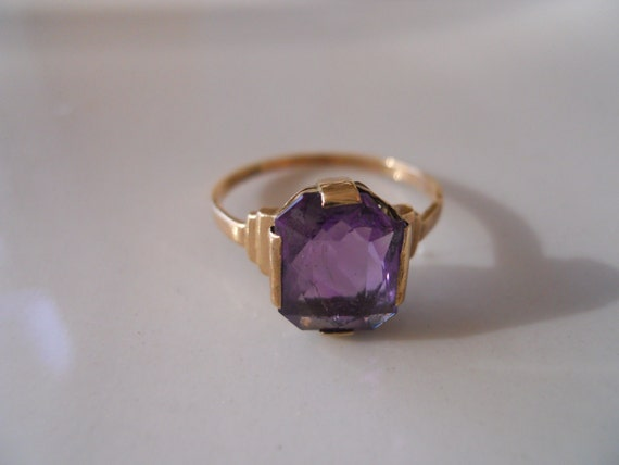 Estate Gold and Amethyst Ring