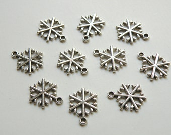 10 Christmas Snowflake metal charms 20x16mm Snowflake5 KA8159