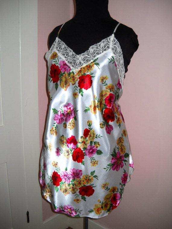 Vintage 1980's LIngerie Satin Bias Cut FREE SHIPPING Flowered Chemise Victoria's Secret Size L -  Say It with Flowers - VL54
