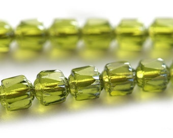 Olive green Cathedral Czech Glass beads, green - 6mm - 20Pc - 0192