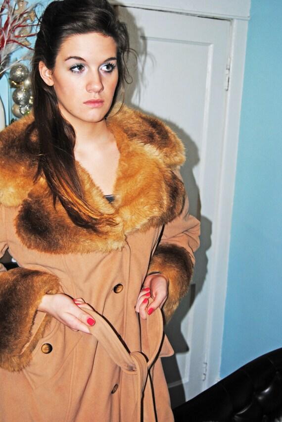 Vintage 70s Faux Fur Coat / Size L