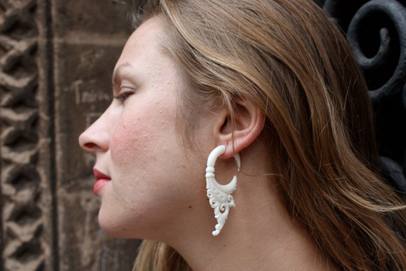 Bone Fake Gauges Earrings Bone Flower Circle Drops Tribal Earrings - FG004 B G2