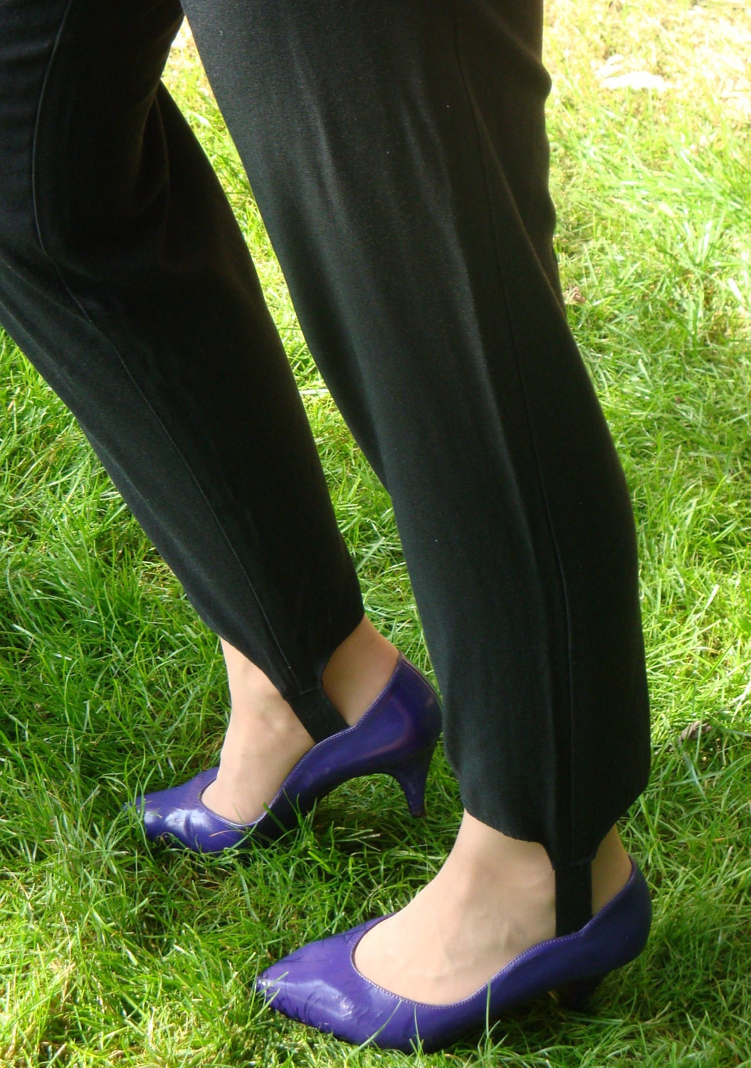 Vintage 80s Black Stirrup Pants Front Pleats W Pockets