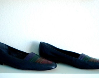 XMAS in JULY SALE : 1980s navy flat with quad-color toe