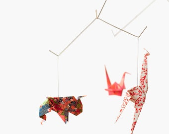 Baby mobile / ZOO ORIGAMI MOBILE: Chiyogami collection - Nursery Decoration - Baby Crib Mobile - Red v.1