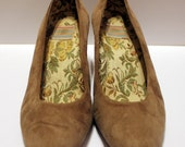 1970s Brown Italian Suede Heels by Santini e Dominici Size 6.5