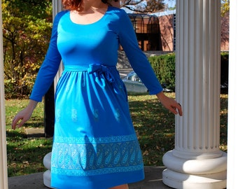 Paisley Ice Queen 1970s Vintage Alfred Shaheen Sky Blue Silver And Turquoise Paisley Tent Dress Sz Medium / 8
