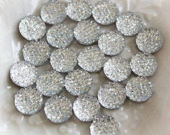 25pcs.. 10mm Sparkly Round Cut Bead in Clear