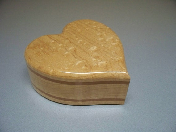Small Maple Heart  Urn- Approx. 21 c.i.