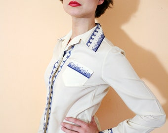 Vintage 60s Off White Pointed Collar Long Sleeve Fitted Shirt Top