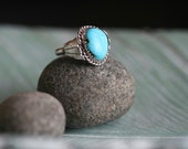 Vintage Navajo Turquoise and Silver Ring / Southwestern (size 6)