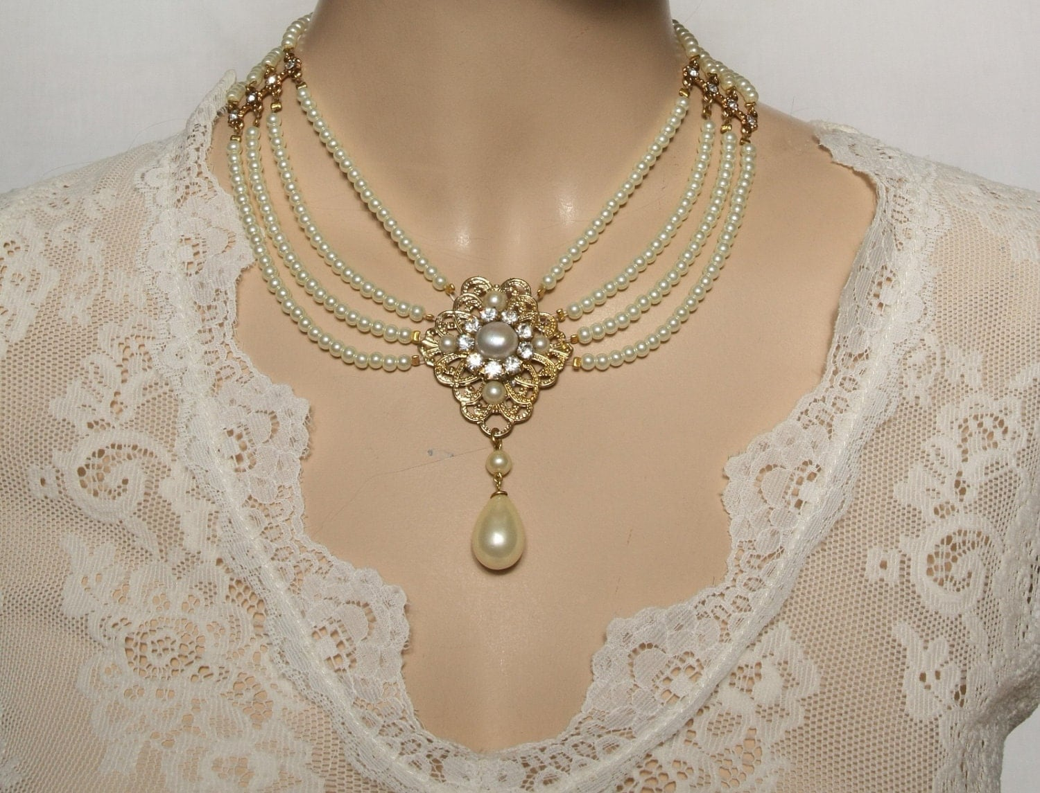 Bridal Pearl Necklace Pearls Chocker Necklace by mylittlebride