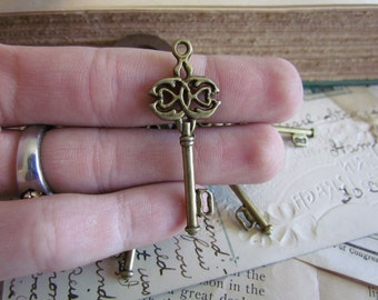 30 Bronze Keys Charms - WHOLESALE - Antique Bronze - 45x17mm - Ships IMMEDIATELY from California - BC61a