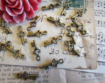 100 Key Charms - WHOLESALE - Antique Bronze - 18x7mm - Ships IMMEDIATELY from California - BC103a