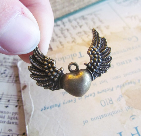 Winged Heart Charms Antique Bronze 35x25mm 5pcs  - Ships IMMEDIATELY from California - BC190