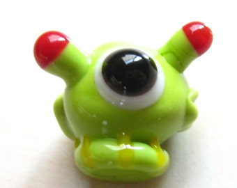 Space Alien Cyclops - lampwork glass figurine