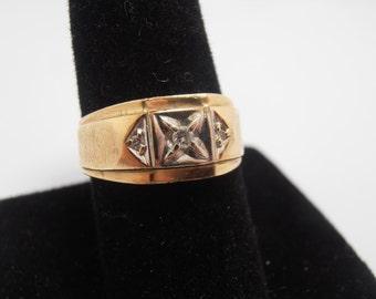 Classic  1940s  Mans  diamond ring  from the 1940s    Just like Grandpa wore    Three Diamond Ring