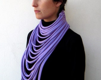 The padaung scarf - handmade in lilac jersey fabric