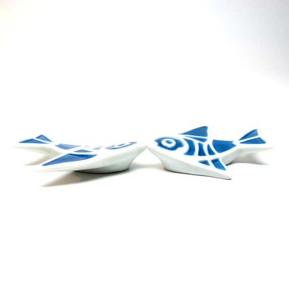 Vintage Chopstick Rests Porcelain Fish Blue White Sushi