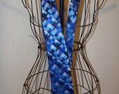 Mens 100% Silk Dress Tie/ By Van Heusen