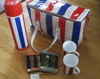 Vintage picnic set.  Patriotic. Best of the 60s by Knappy.  Lot.