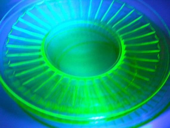 Vintage Green Glass Vaseline Plates (3) 1930s