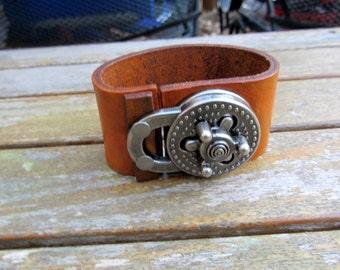 Leather heavy cuff bracelet in tan with turn lock