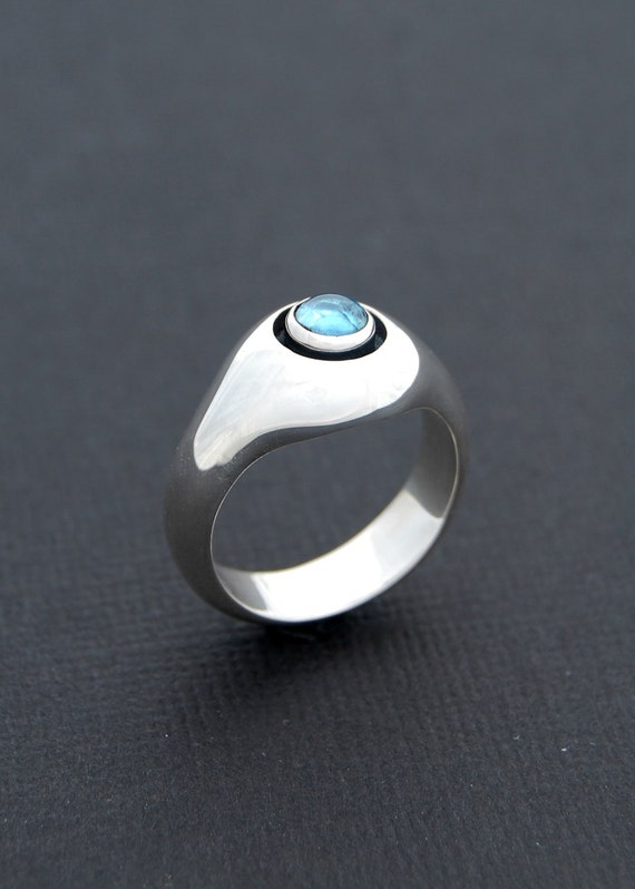 Core ring - sterling silver ring with cabochon