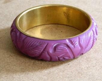 Purple Bracelet / Vintage 1970s Purple Bangle / Purple Carved Bracelet / New Old Stock Vintage