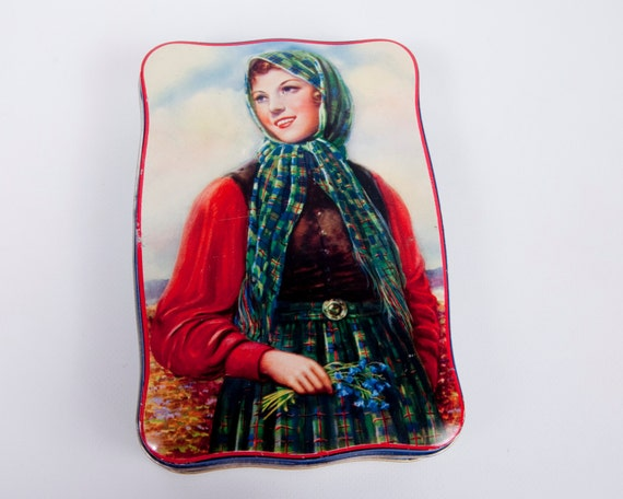 Vintage Thornes Toffee Tin Scottish Girl With Bluebells The World's Premier Toffee Leeds England