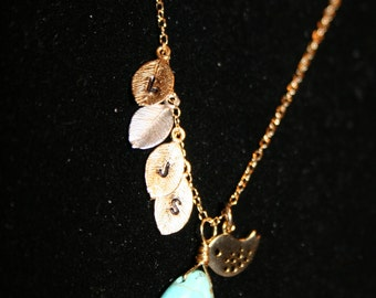 mom's Personalized initial necklace birds and 4 leaf charm for Mothers.mothers jewelry mothers day gift idea
