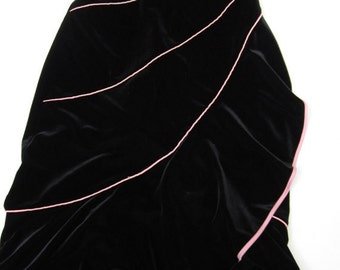 Blondie Nights Formal Black Velvet Party Dress Trimmed With Pink Pipping c1970