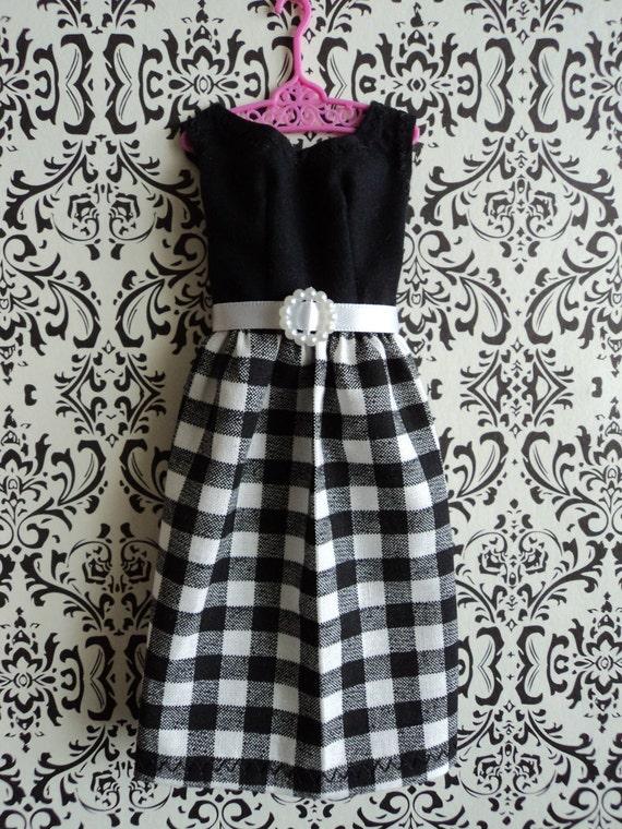 Shadow Box - Dolls clothes Keepsake / Girls room decoration