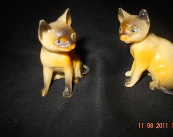 Tiny Twin Siamese Cat Figurines Treasury item