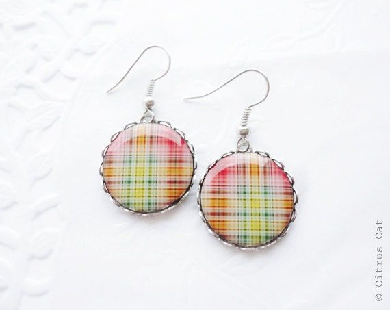 Red yellow green plaid earrings, easter colors, spring jewelry, geometric earrings, colorful earring, plaid jewelry, tribal jewelry